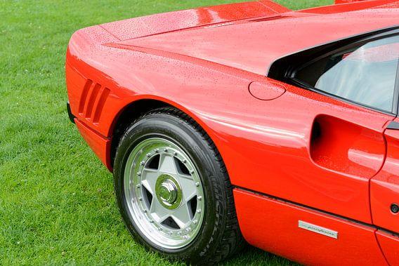 Ferrari 288 GTO raceauto uit de jaren 80 in Ferrari rood van Sjoerd van der Wal