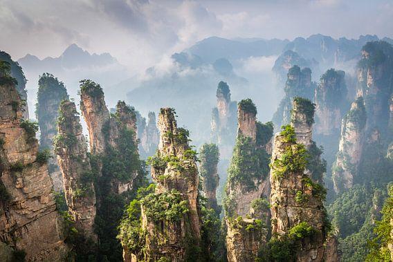 Landschap met zandsteen pilaren in China