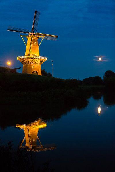 Windmill at Night van Sander van Mierlo