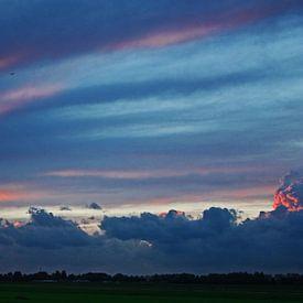 Thunderstorm passing by van Terra- Creative