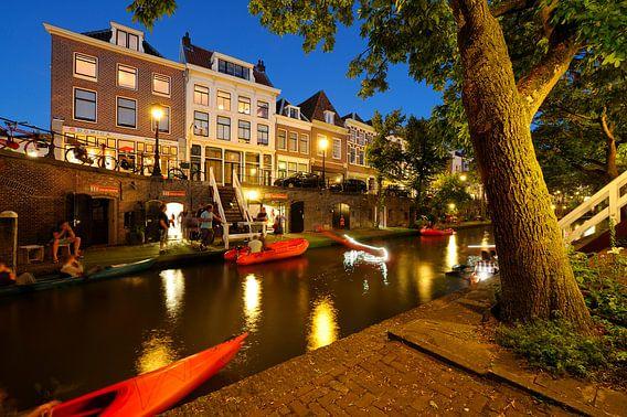 Begin van de Oudegracht in Utrecht van Donker Utrecht