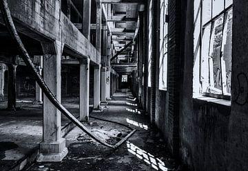 Verlassenes Gebäude - Urbex (Fabrik) von Marcel Kerdijk