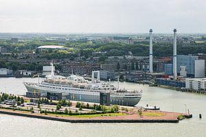 Het SS Rotterdam vanaf de Euromast