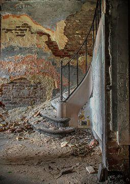 Schlosstreppe im Verfall von Olivier Photography