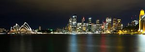 Sydney by Night in color, NSW Australie