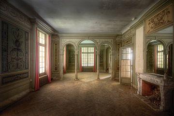 Märchenraum – verlassenes Schloss, Frankreich von Roman Robroek