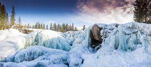 Gefrorener Wasserfall in Schweden van