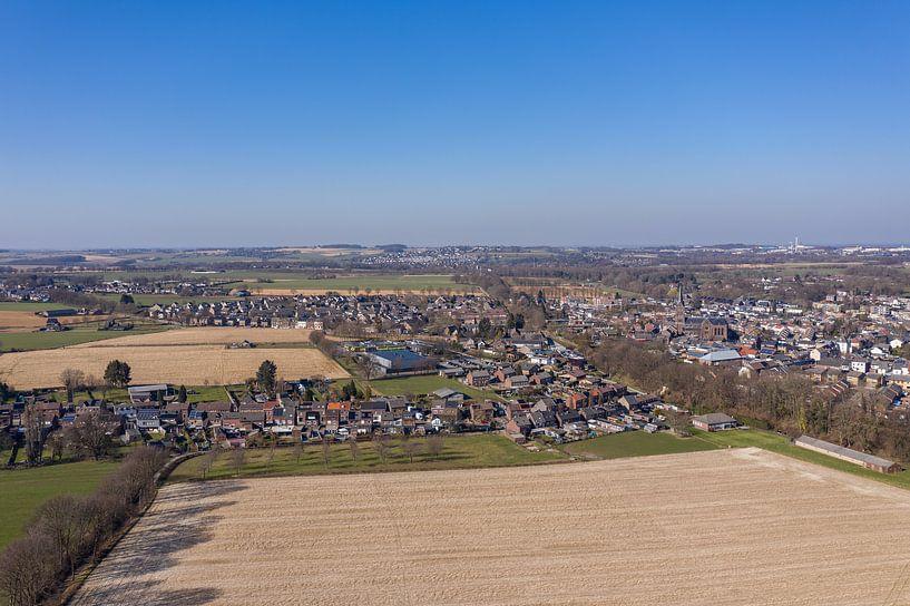 Luchtfoto van Bocholtz in Zuid-Limburg van John Kreukniet