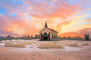 Alto-Vista-Kapelle auf Aruba mit Sonnenuntergang von Nisangha Masselink