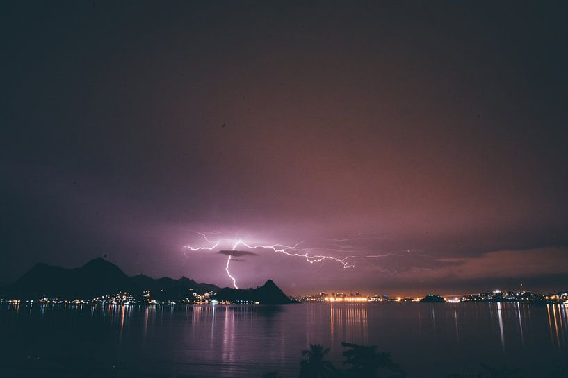 Bliksem in Rio de Janeiro van Stephan de Haas