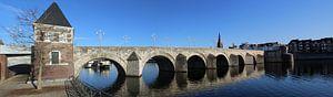 St.Servaasbrug in Maastricht van John Kerkhofs