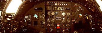 Cockpit van een ouder militair vliegtuig als panoramafoto van Cor Heijnen
