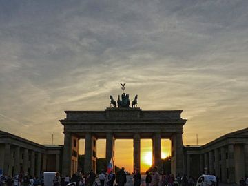 Sunset at the Brandenburg Gate, Berlin van