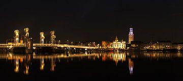 Stadtbrücke Kampen bei Nacht von Jos van de Pas