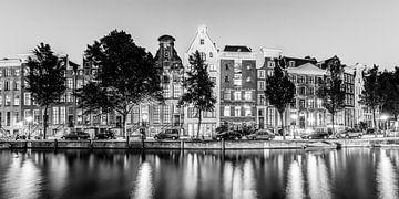 Keizersgracht à Amsterdam de nuit / noir et blanc sur Werner Dieterich