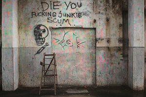 "Graffiti  tekst ""Junkie Scum"" in een fabriekshal in Groningen / 2010"