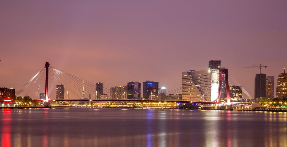 Willemsbrug in Rotterdam van Guido Akster