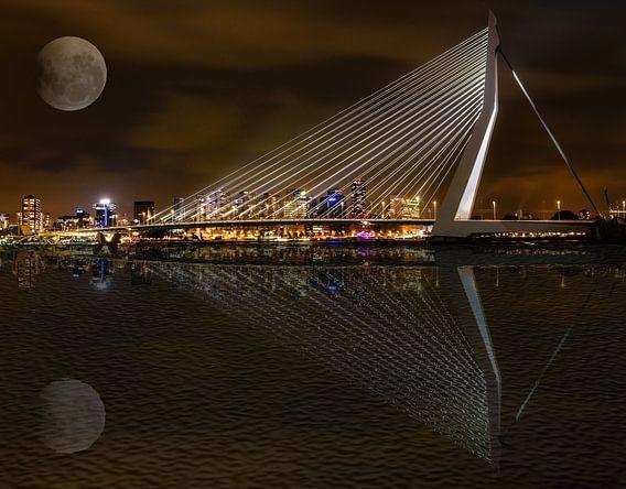 De Erasmusbrug bij nacht