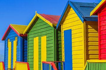 Fel gekleurde  Strandhuisjes in Muizenberg