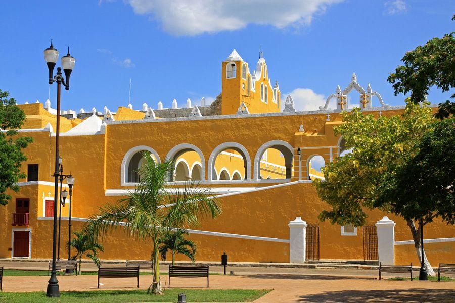 Het goudgele klooster van Antwan Janssen