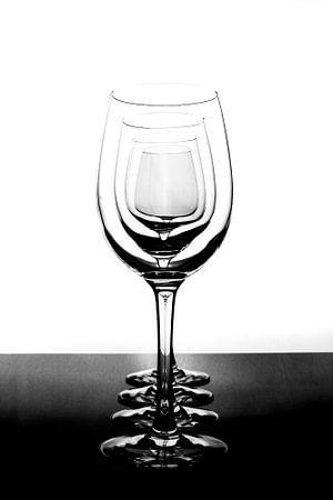 wineglasses sur Shadia Bellafkih