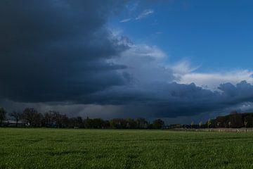 Storm op komst  van T. van der Kolk
