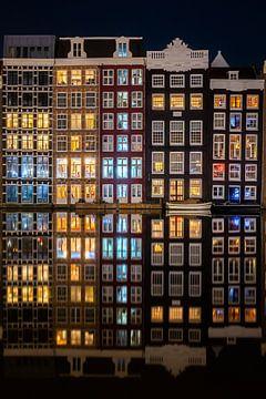 Damrak Amsterdam bei Nacht von Thea.Photo