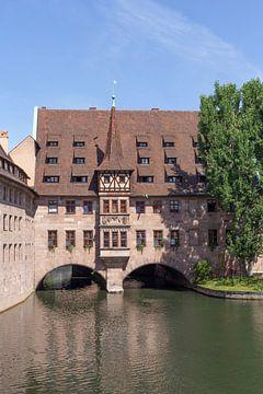 Hôpital du Saint-Esprit sur le Pegnitz, vieille ville, Nuremberg sur Torsten Krüger