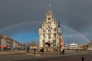 Oude Stadhuis Gouda met regenboog