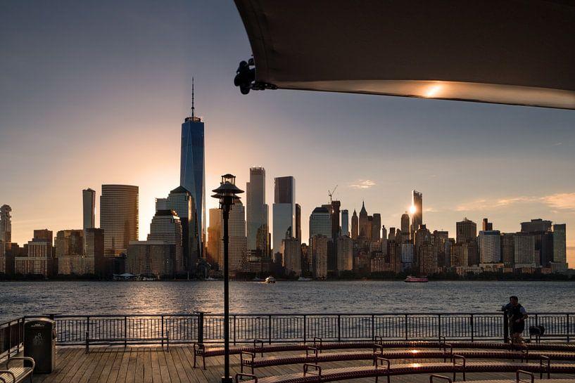 Sunrise in southern Manhattan van Kurt Krause