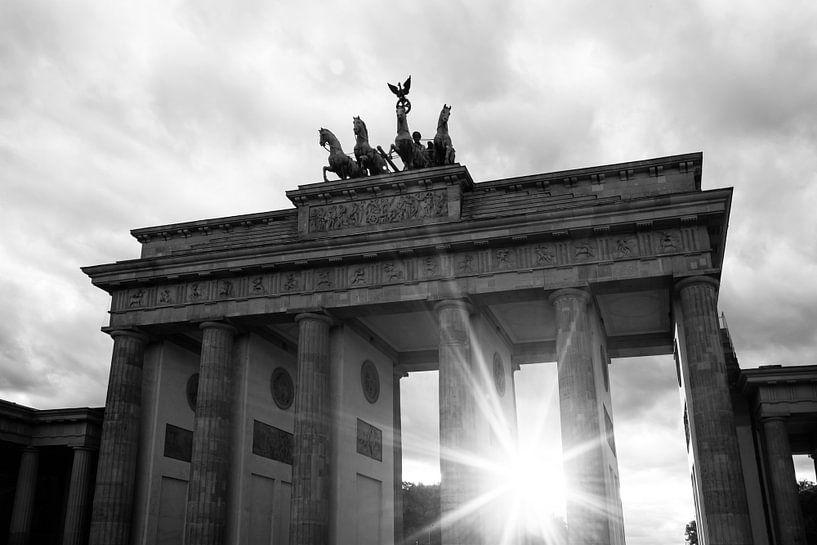 Zonsondergang bij de Brandenburger Tor van Frank Herrmann