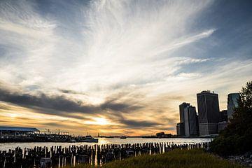 Sonnenuntergang in Manhattan von Raf Verbraeken
