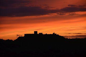 Silhouet kasteel bij zonsondergang in de Alentejo Portugal van My Footprints