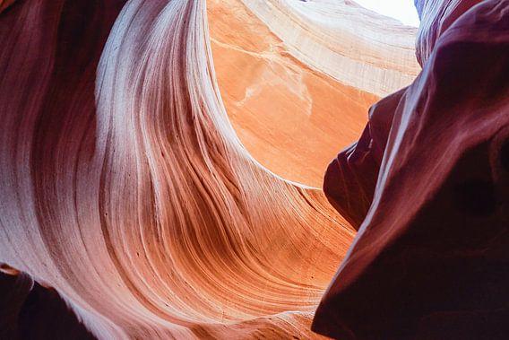 Antelope Canyon 4 van Louis ten Kate