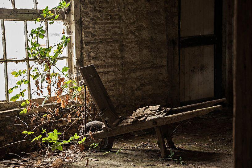 Oude Kruiwagen van Cristel Brouwer