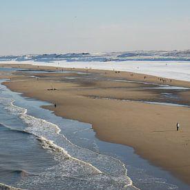 Strand van Scheveningen in de winter van Simone Meijer
