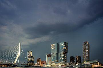 Stormachtig Rotterdam van Jolanda Wisselo