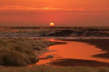 Zonsondergang boven zee van Dirk van Egmond