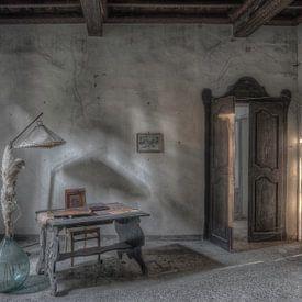Bureau shadows van Hettie Planckaert