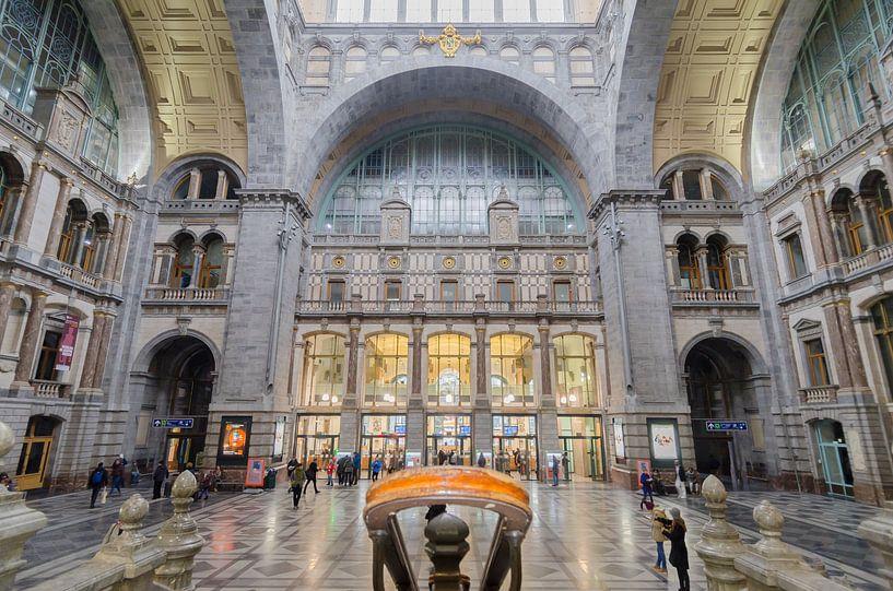 Stationshal Antwerpen Centraal van Mark Bolijn