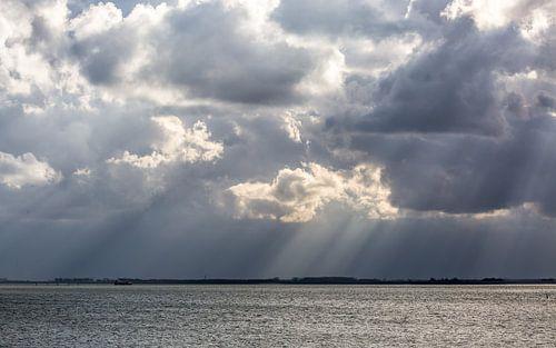 dreigende wolken van