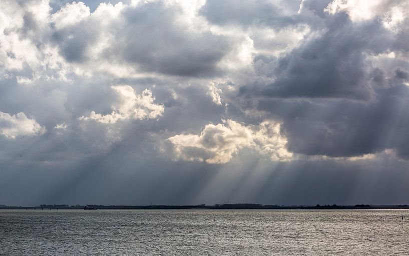 dreigende wolken van wim harwig