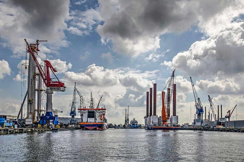 Schiedam, Wolken, Schiffe und Kräne von Frans Blok