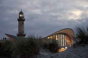 Der Leuchtturm von Warnemünde von Ostsee Bilder