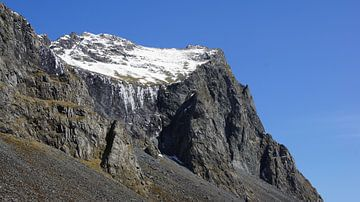 Mountain in the Eastfjörds sur Aagje de Jong
