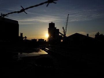 Industrieel zonsondergang van Jorn Idema