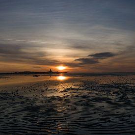 Superschöner Sonnenuntergang über dem Strand von Patrick Verhoef