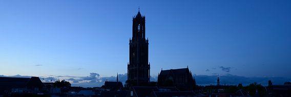 Stadsgezicht met Domtoren en Domkerk in Utrecht