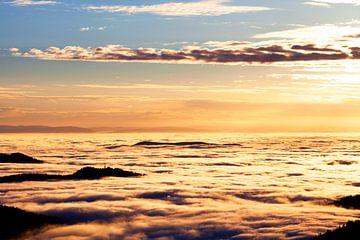 Wolkenmeer von Jürgen Wiesler