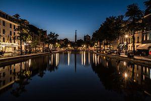 Nachtelijke spiegelingen aan de vismarkt van